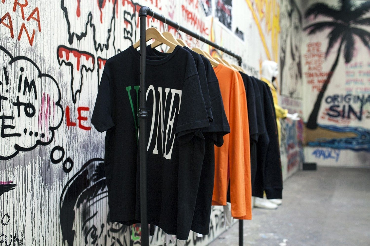 Vlone_LA_Off_White