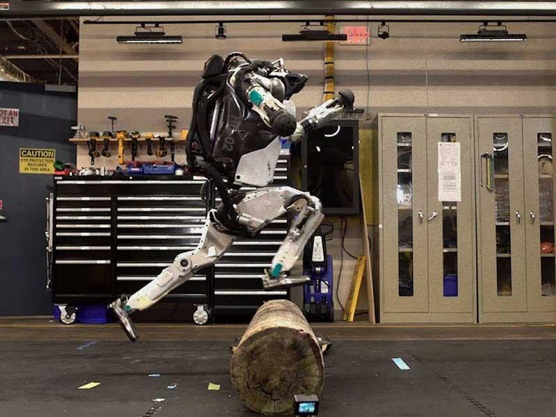 Boston Dyanamics > Atlas Robot | El futuro ya es presente