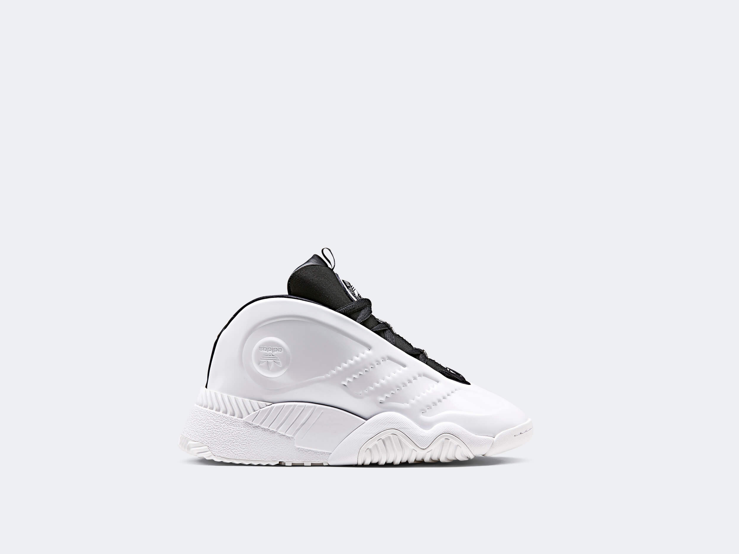 on sale 075db 29c0e The sneakers have a great prominence again, especially – from our point of  view – the AW Futureshell that we first saw at the SS19 Wang show.