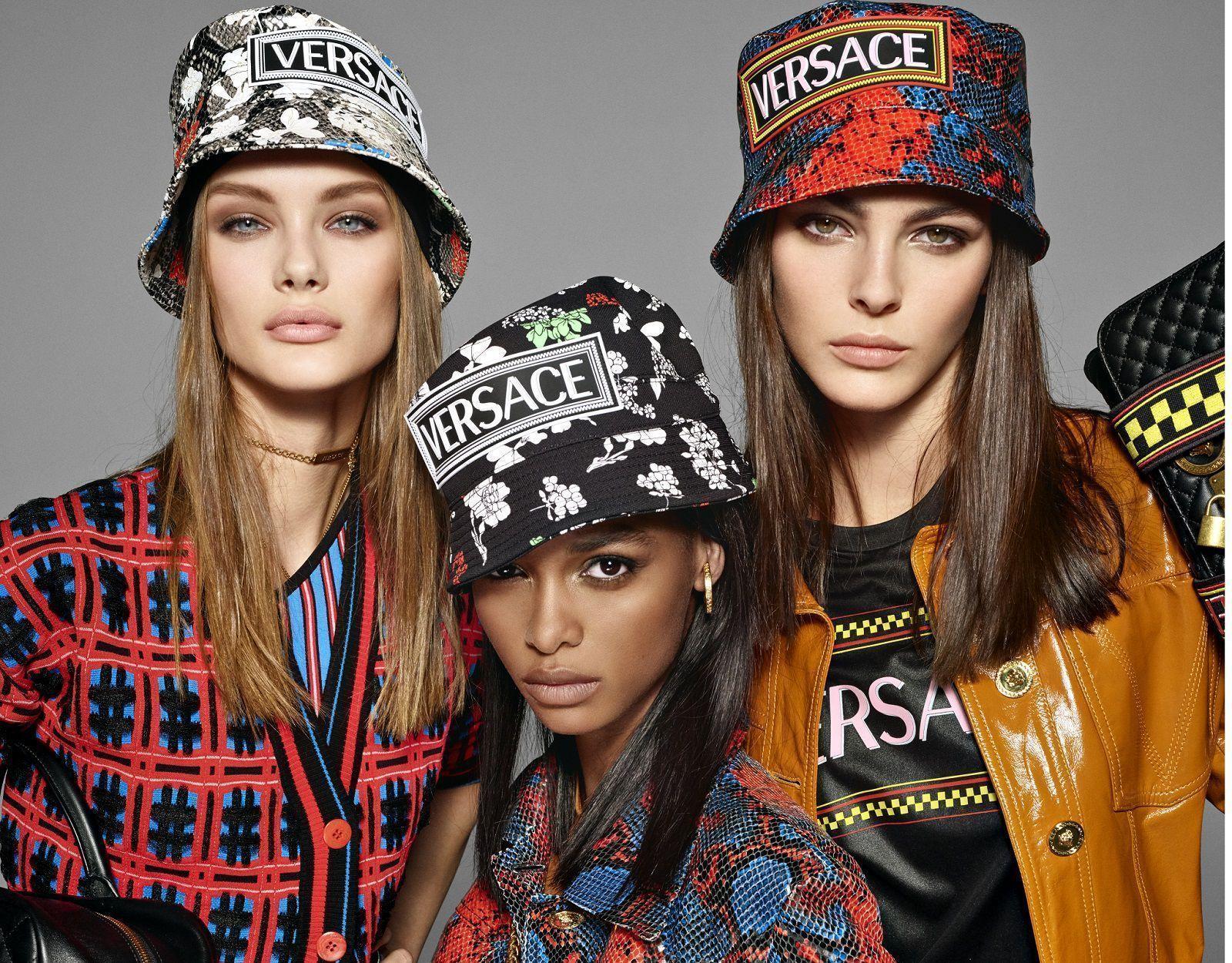 Versace SS19 - Bella Hadid