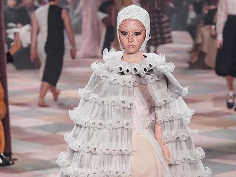 Dior Couture SS19 >>> Romanticism under the circus tent