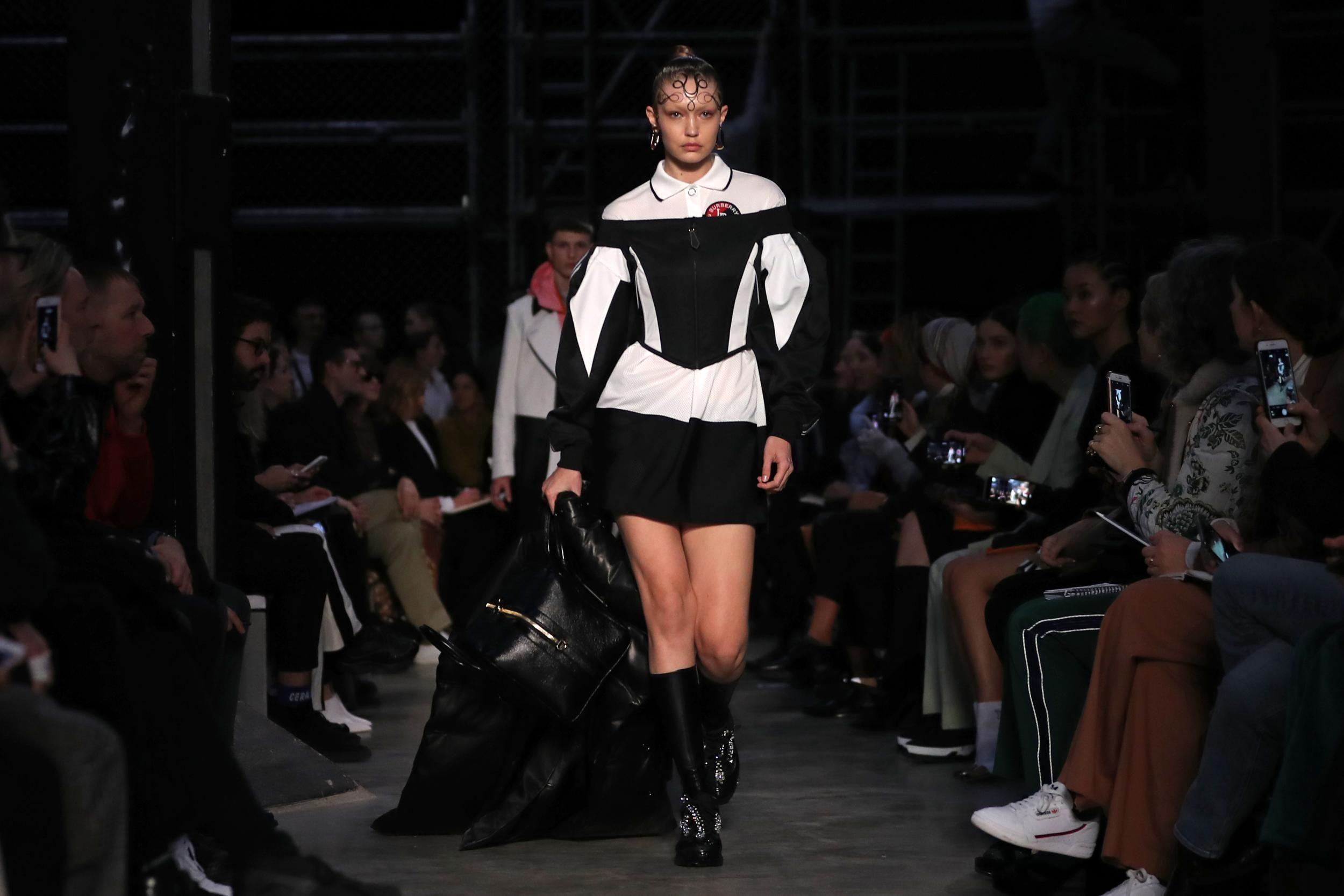 Gigi Hadid - Burberry