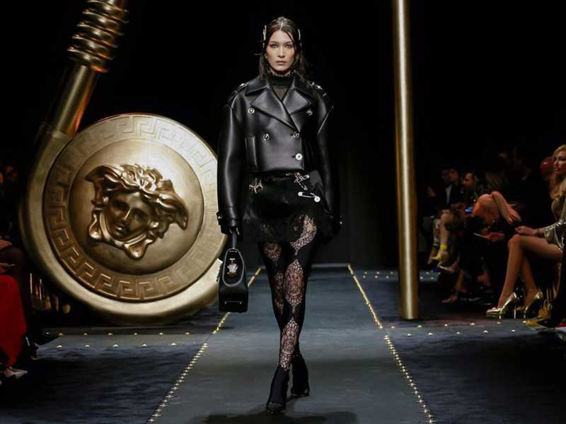 Versace FW19 > Luxury and grunge alliance