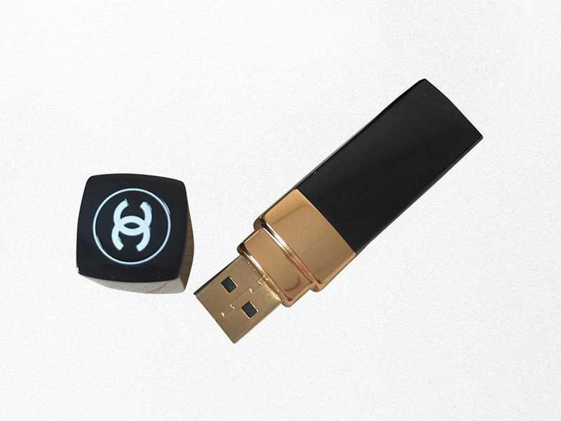 Chanel USB