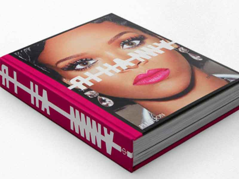 Rihanna launches her autobiography for 100,000 euros