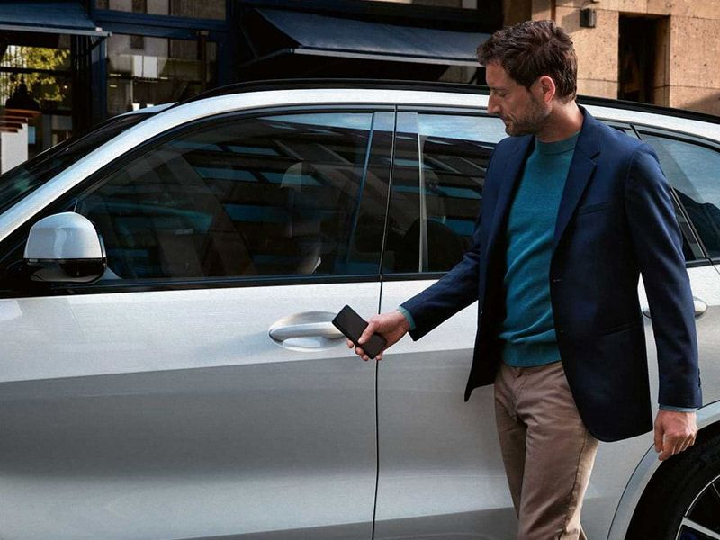 Apple's new Car Keys feature: forget about traditional keys