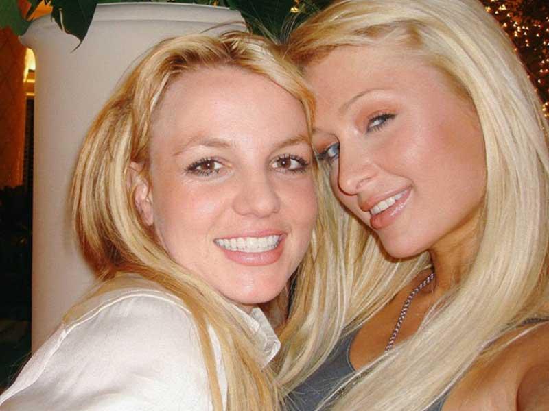 Selfie Britney & Paris Hilton