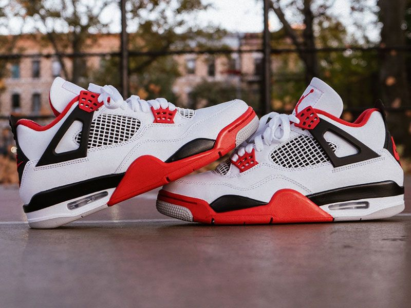 "Air Jordan 4 ""Fire Red"" ready for Black Friday"
