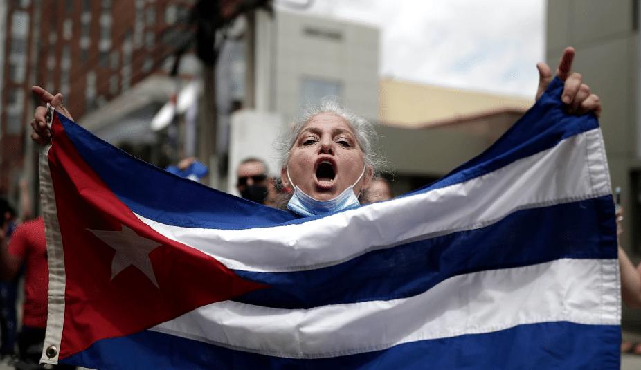 Cómo se conectan a Internet en Cuba para evitar la censura